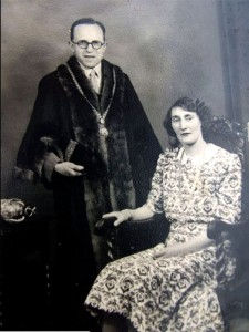 Mayor and Mayoress in 1964 (image from Roxie Williams)